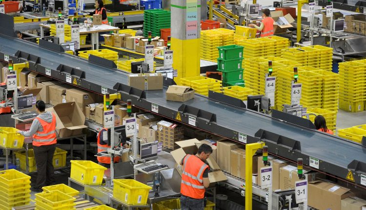 Foreign Amazon sites named in U.S. 'notorious markets' list for