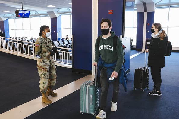 U.S. air travel hits pandemic high over New Year's