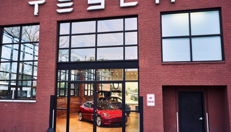 Tesla Says It Hit Goal of Delivering 500,000 Cars in